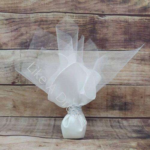 Μπομπονιέρα γάμου μαντήλι σατέν