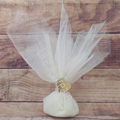 Μπομπονιέρα γάμου τούλινη με ακρυλική καρδιά