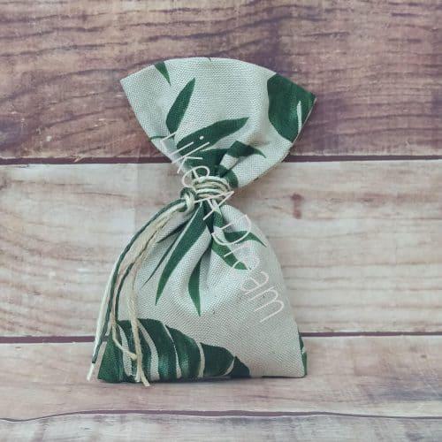 Μπομπονιέρα τροπικά φύλλα πουγκί γάμου